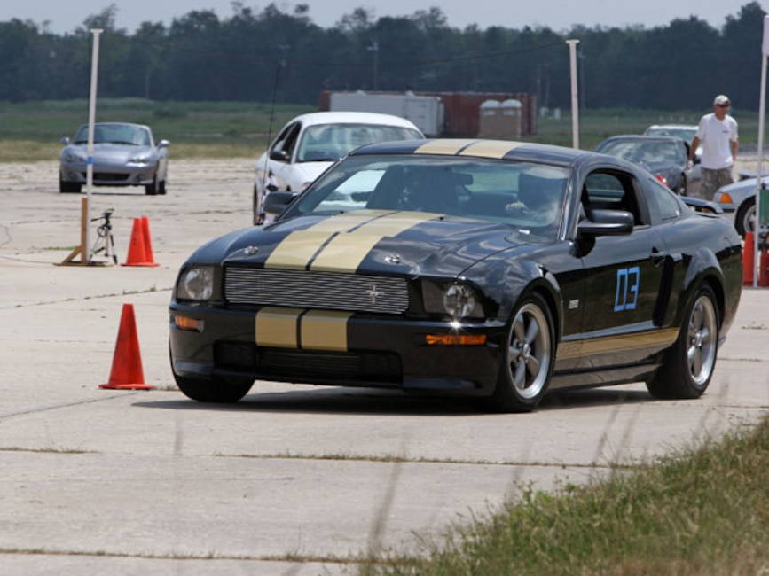 Mmfp_0704_04_z Hertz_shelby_GTH_mustang At_the_autocross