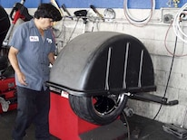 138_0602_05z 2002_ford_mustang_gt Tire_balance