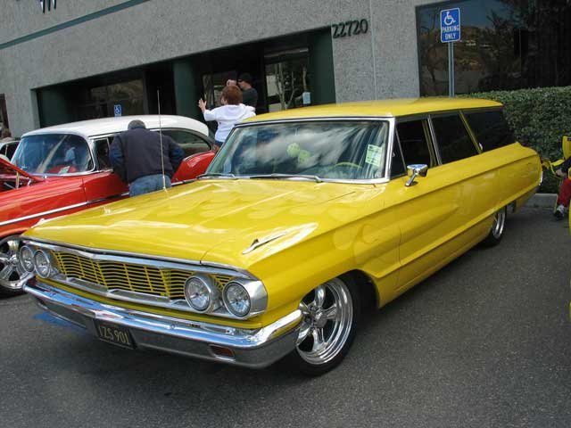 1964 Ford Galaxy Wagon Front Side View