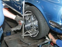 0610_mump_01z Ford_mustang_alignment Measure_wheel