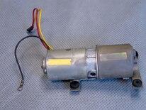 Mump_0702_01z Ford_mustang Replacing_convertible_top_motor