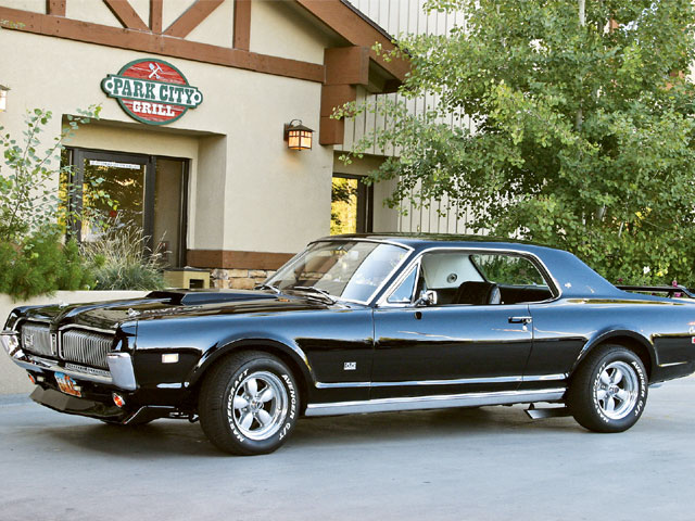 1968 Mercury Cougar XR 7 Side
