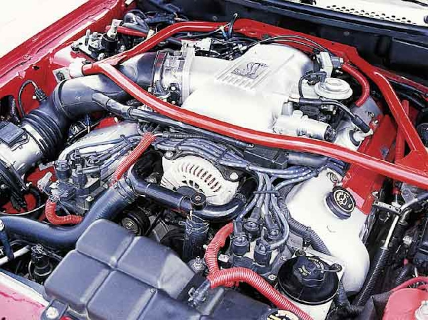 0110mmfp_16z 1997_ford_mustang_cobra Engine_view