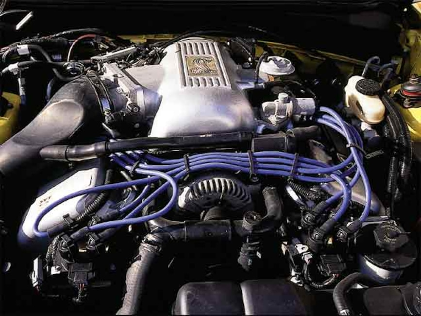 0110mmfp_18z 1998_ford_mustang_cobra Engine_view
