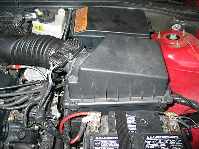 0402mm_03z Ford_Focus_ZX5 Underhood_Airbox