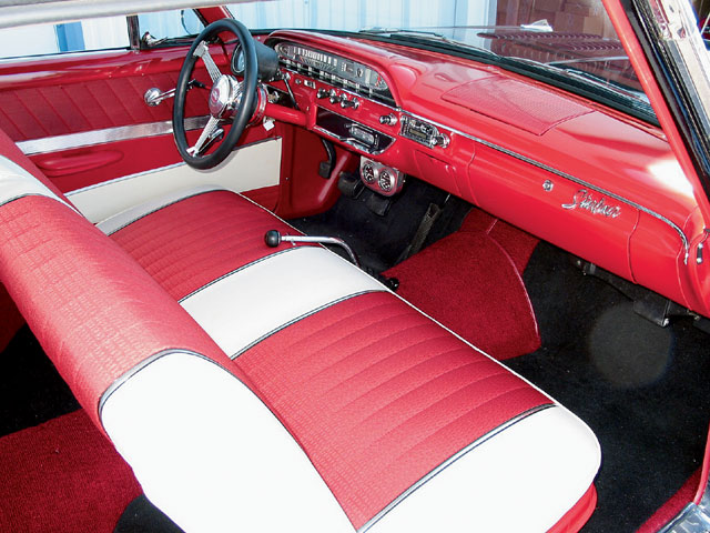 1961 Galaxie Starliner Front Passengers Side View