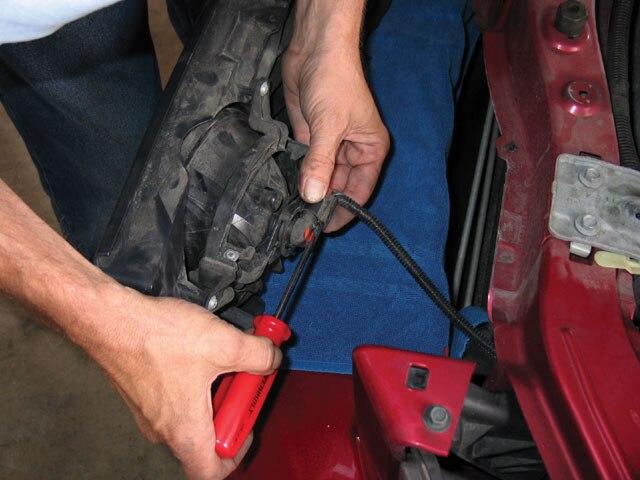 Mump 0710 09 Z Mustang Center Foglight Install Unclip