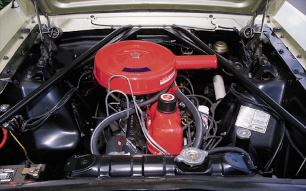 P92467_small 1965_Ford_Mustang_Convertible Engine0