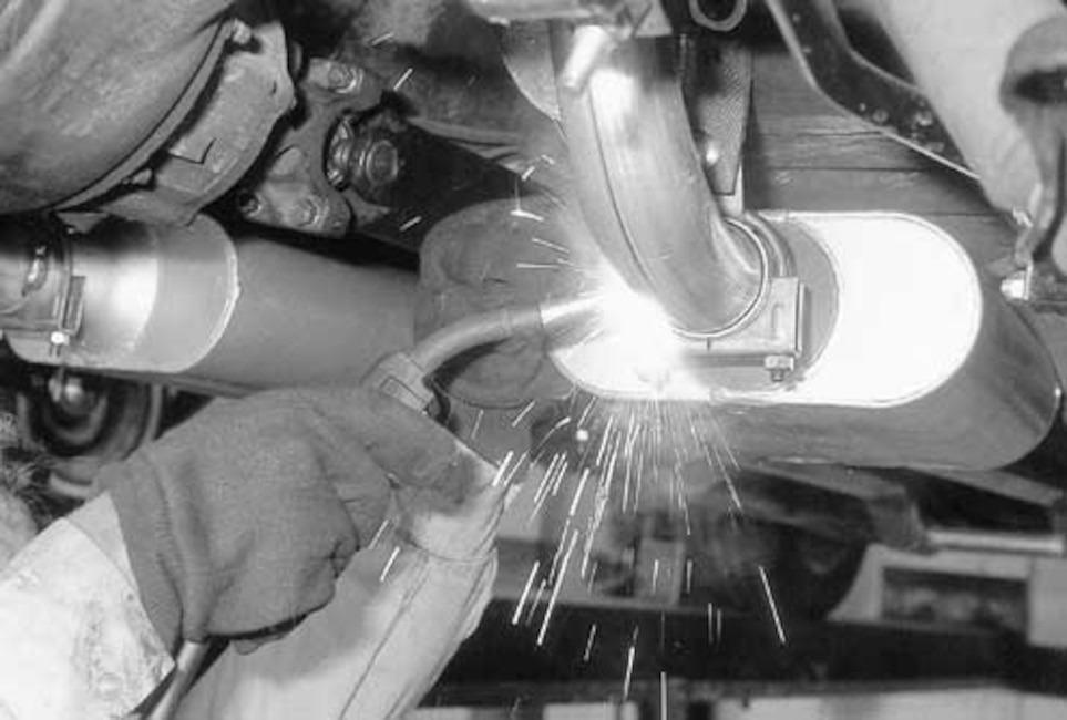 Single chamber flowmaster mustang