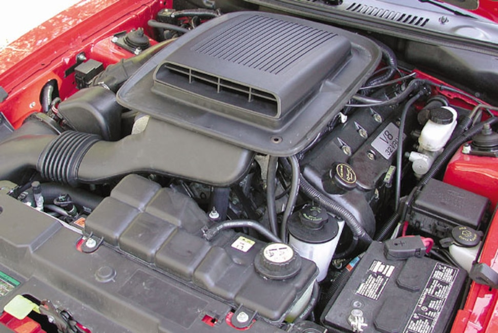 173_0306_6z 2003_Ford_Mustang_Mach_1 Engine