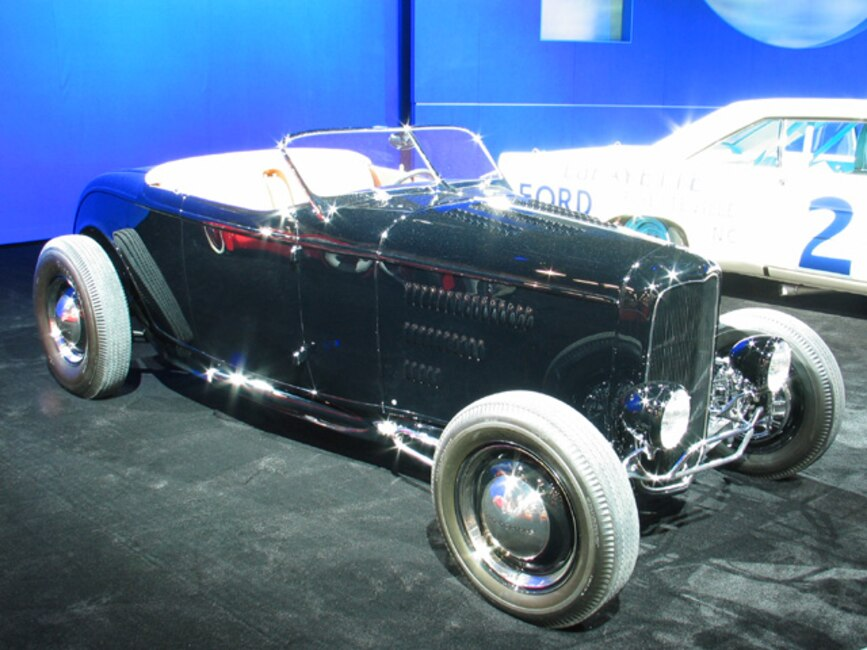 0312mm_04z Doane_Spencer_1932_Ford Front_View