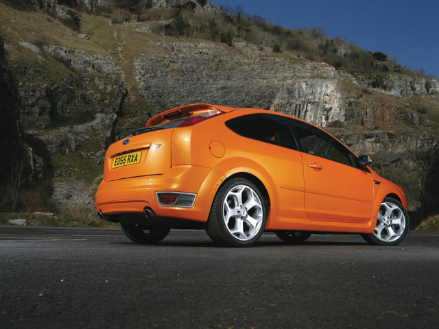 M5lp 0611 03 Z 2006 Ford Focus ST Rear View