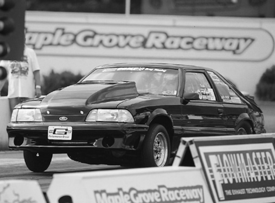 P76333_large Ford_Mustang_NMRA Wheelie_View