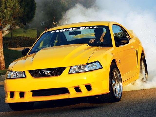 M5lp 0610 01 Z 1999 Ford Mustang GT Burnout