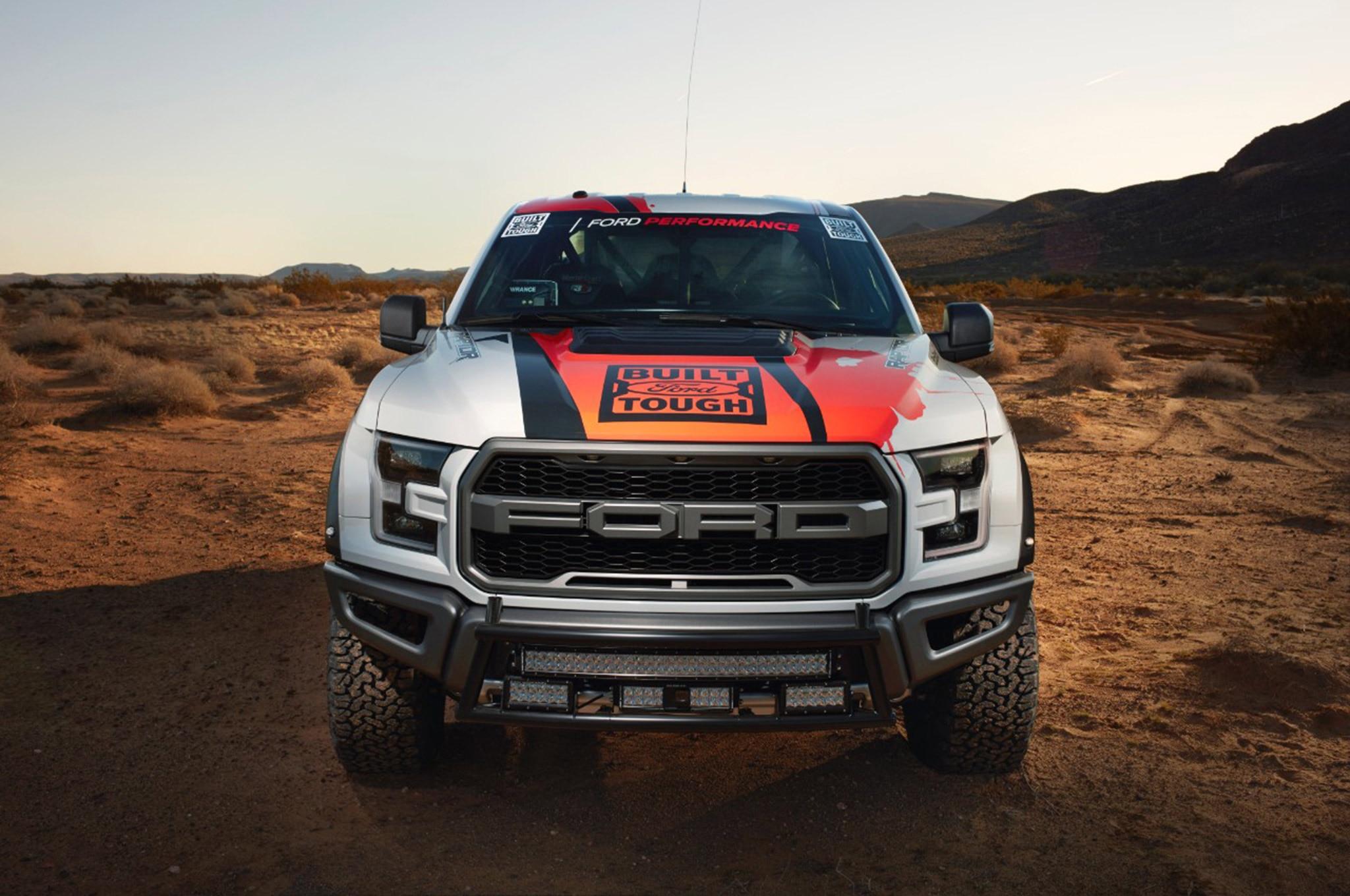 002 2017 Ford F 150 Raptor Racetruck Frontend