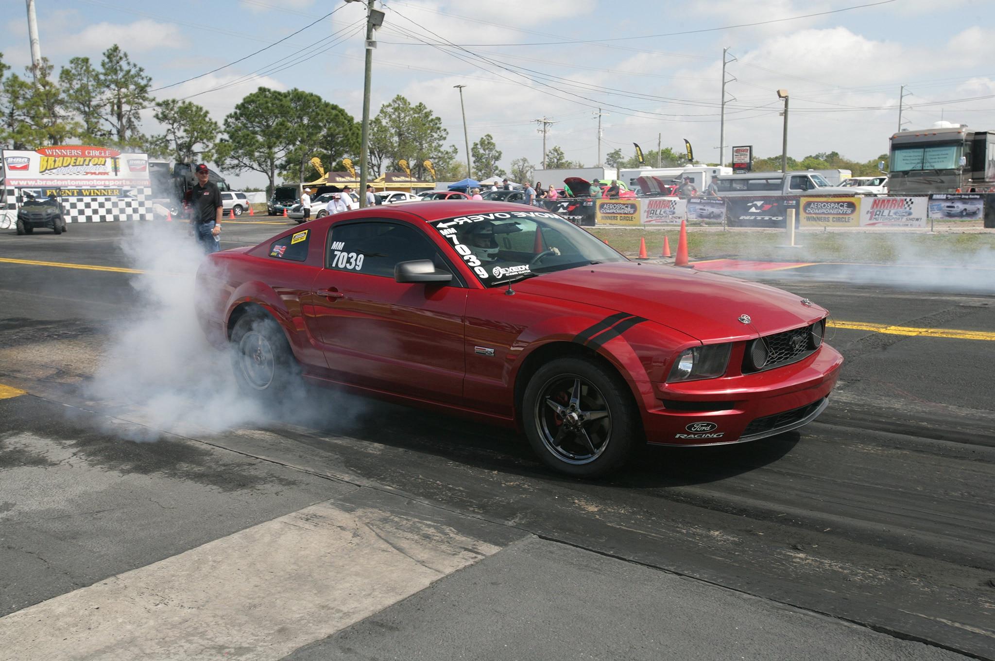 2015 Nmra Mustangs Burnout Red Black Stripes