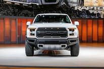 2017 Ford F 150 Raptor SuperCrew Front End 01