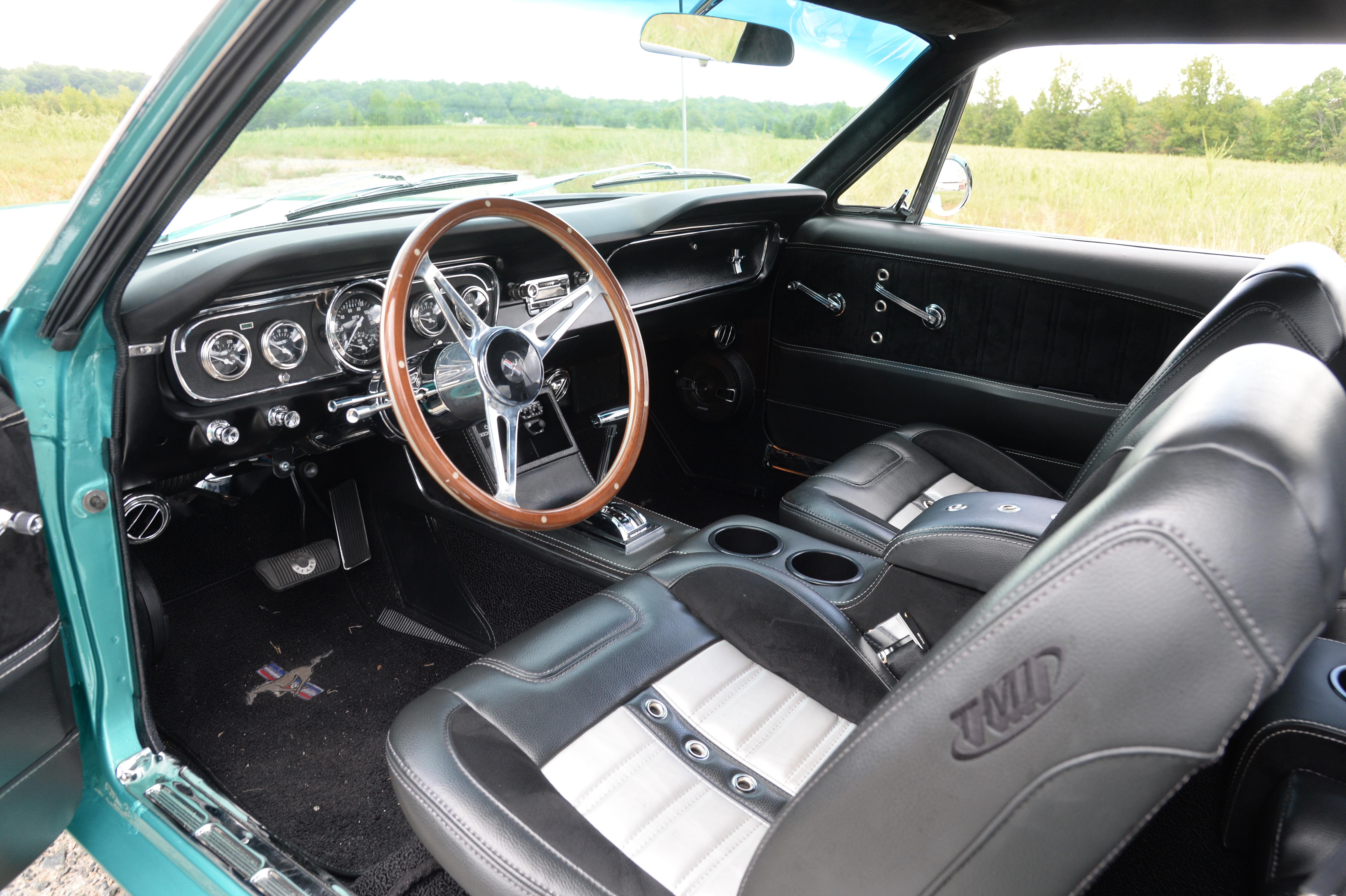 4 1965 Ford Mustang Interior