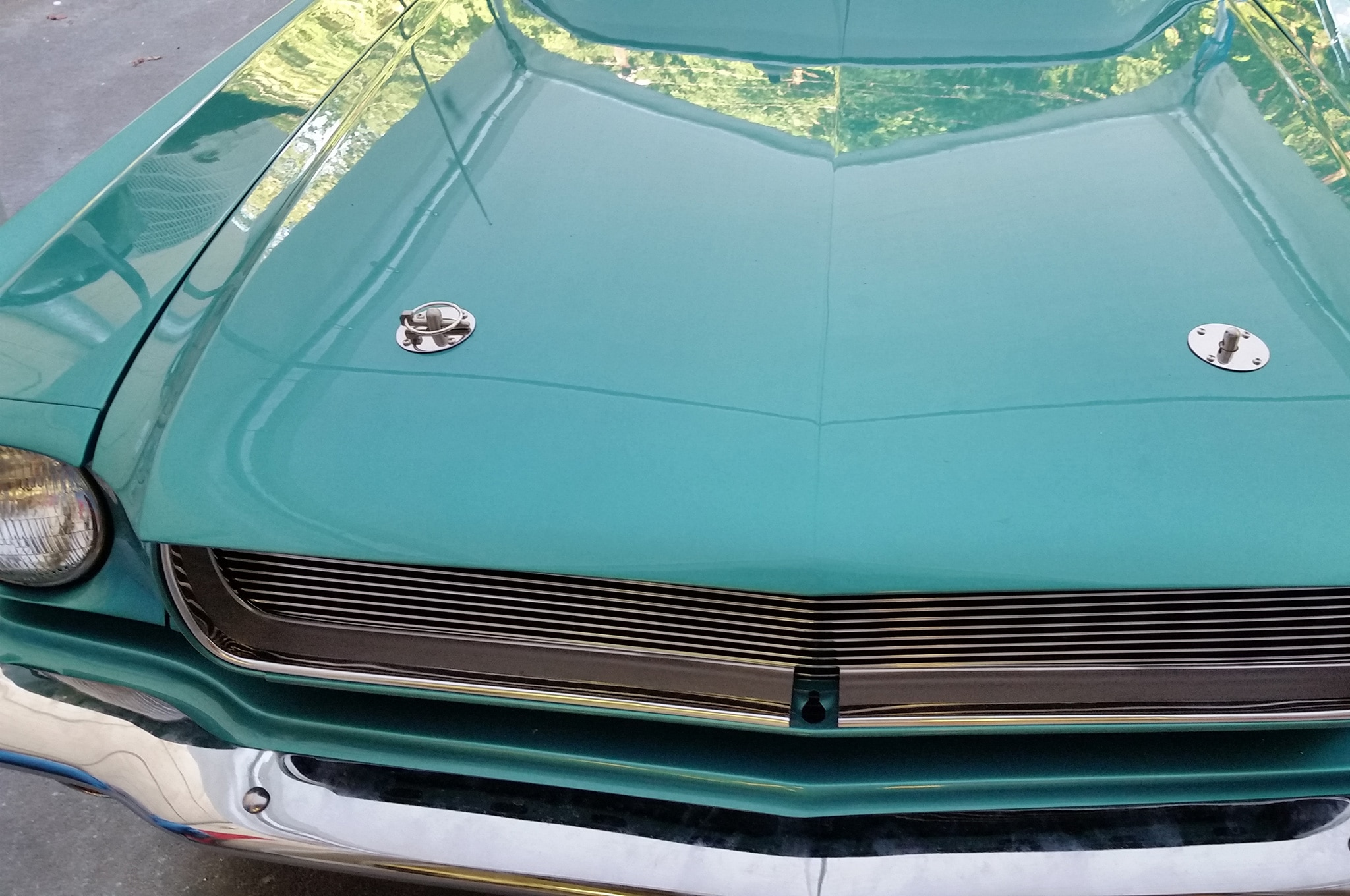 8 1965 Ford Mustang Hoodpins