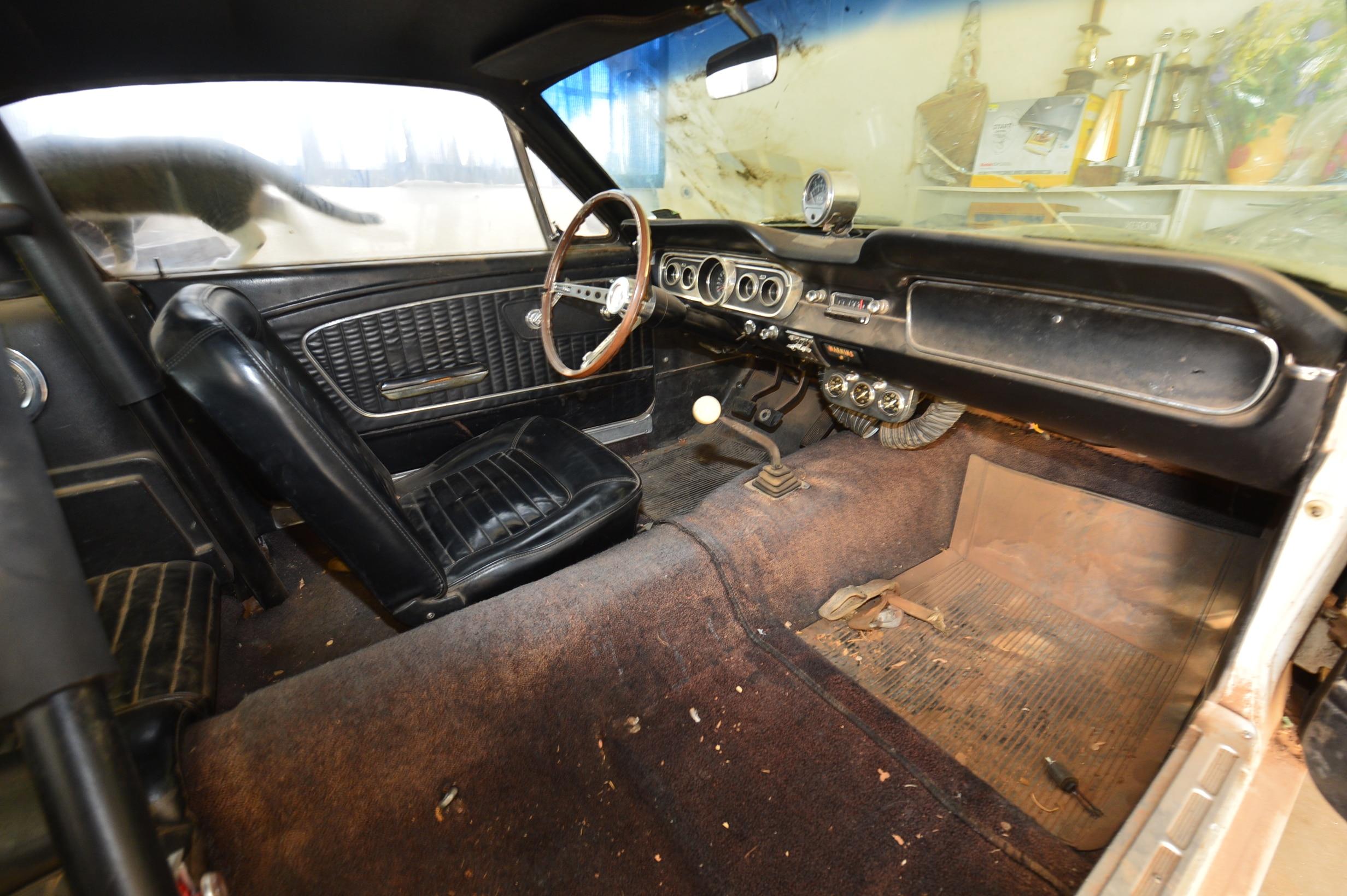21 1966 Ford Mustang Interior