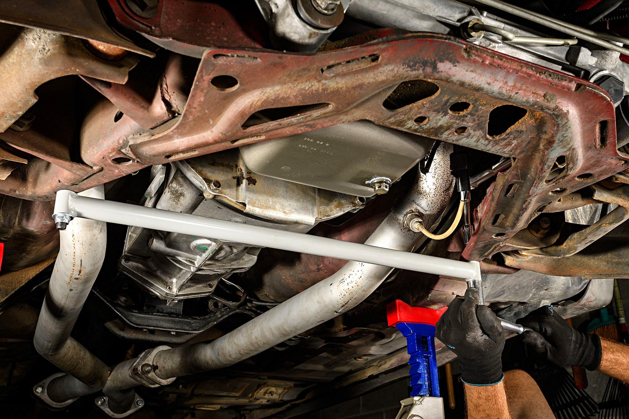 027 Mustang Steeda Suspension Gtrac Brace Installation