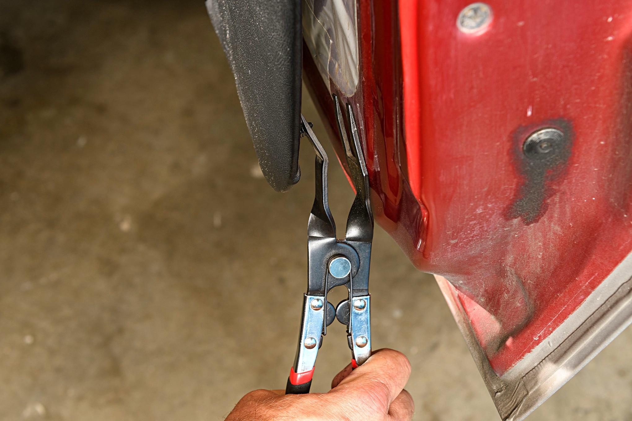 008 Mustang Door Panel Pin Fastener Pliers