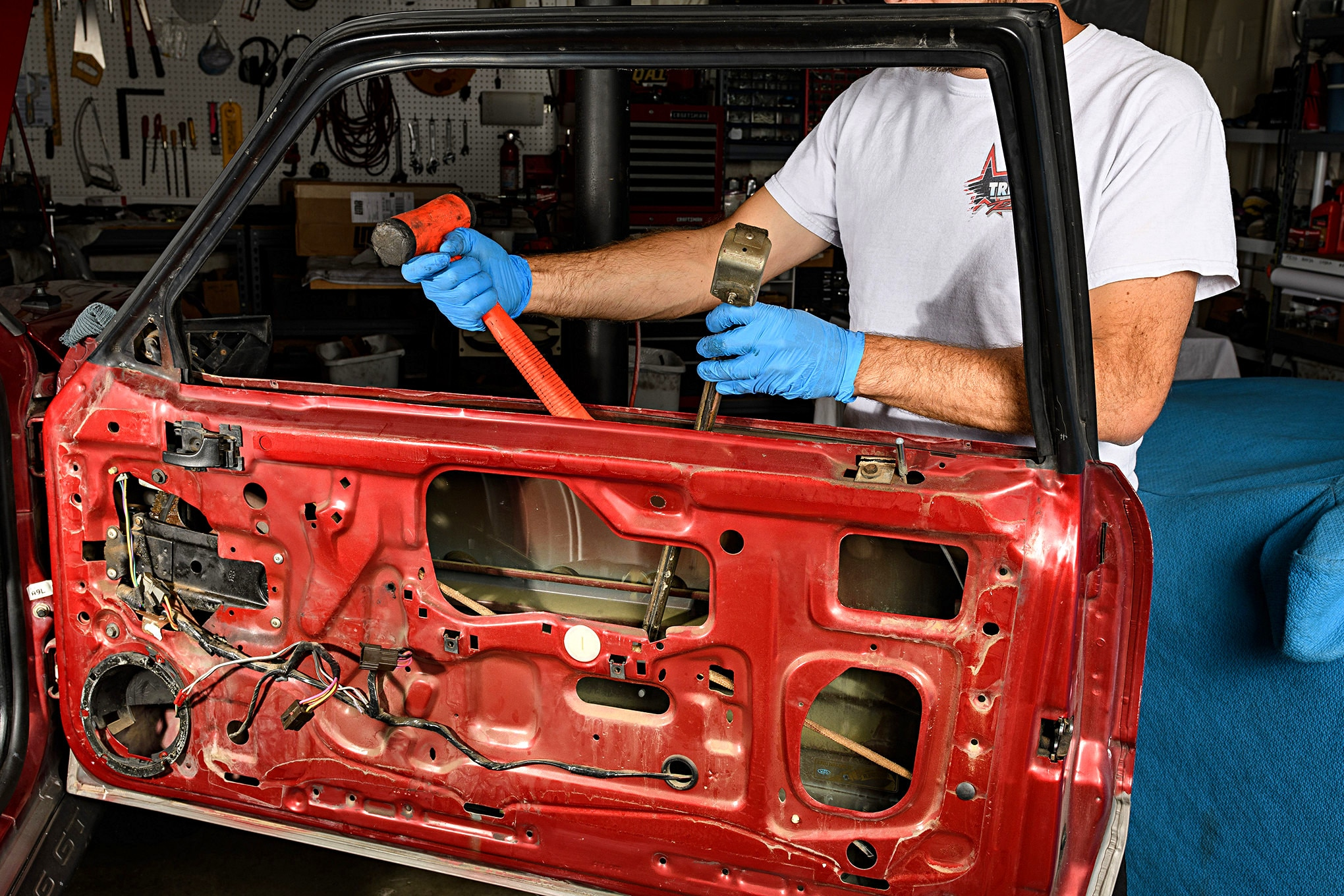 018 Mustang Door Window Guide Rod Removal