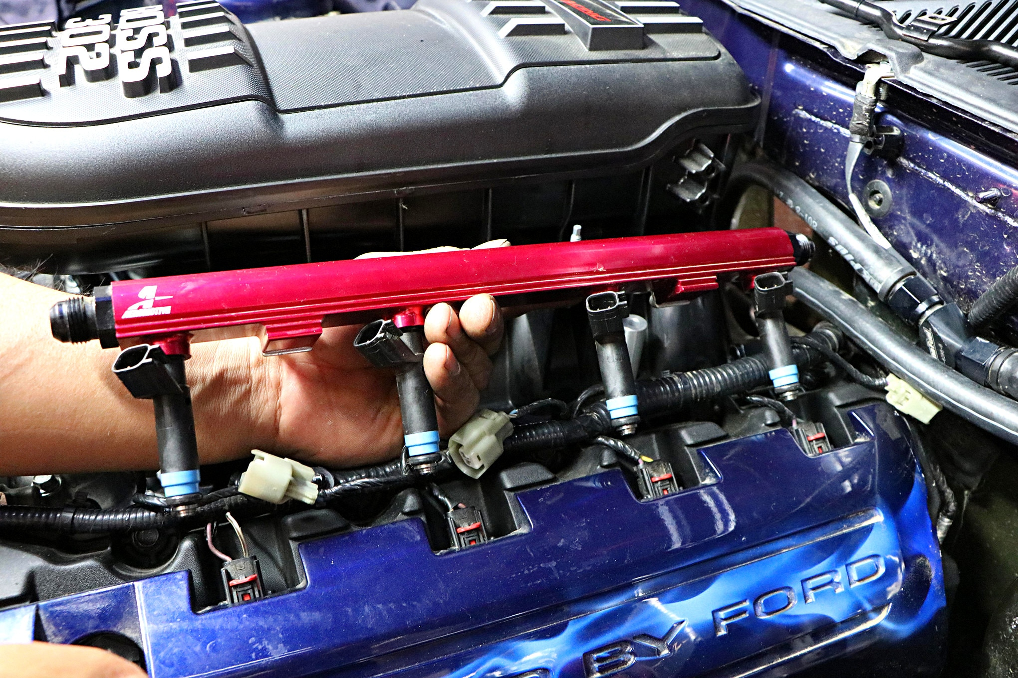 023 Mustang Aeromotive Fuel Rail Removal