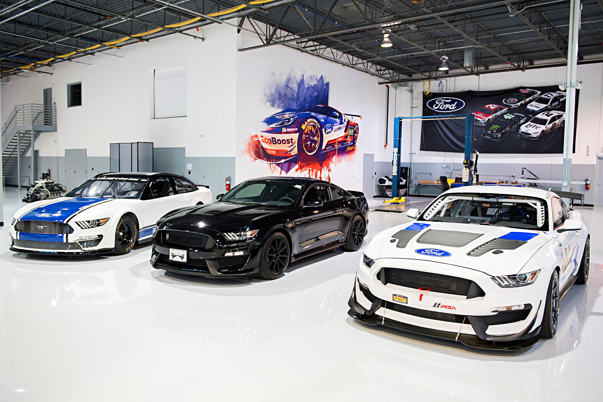 001 Ford Performance Tech Center