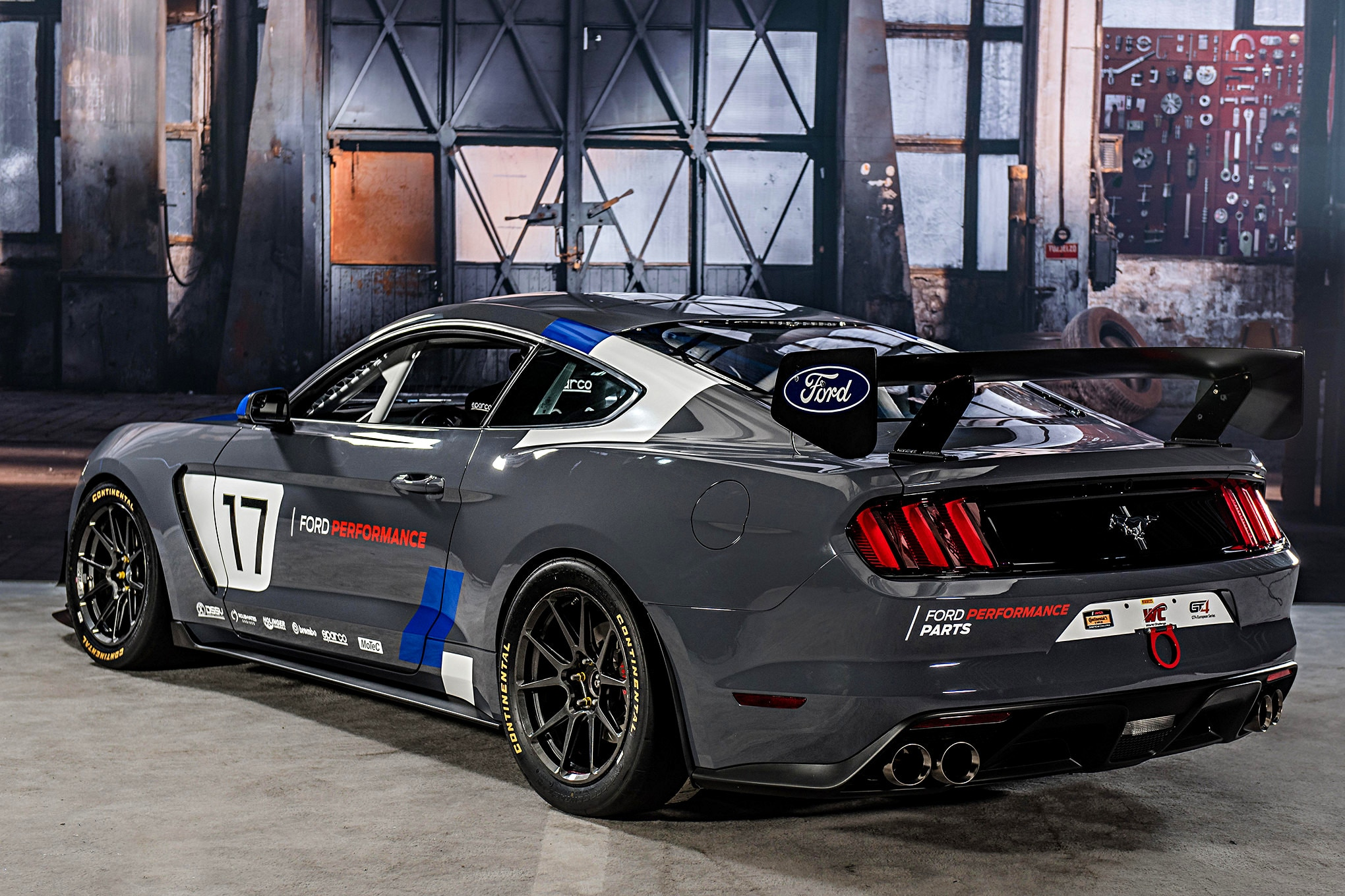 005 Ford Performance Tech Center