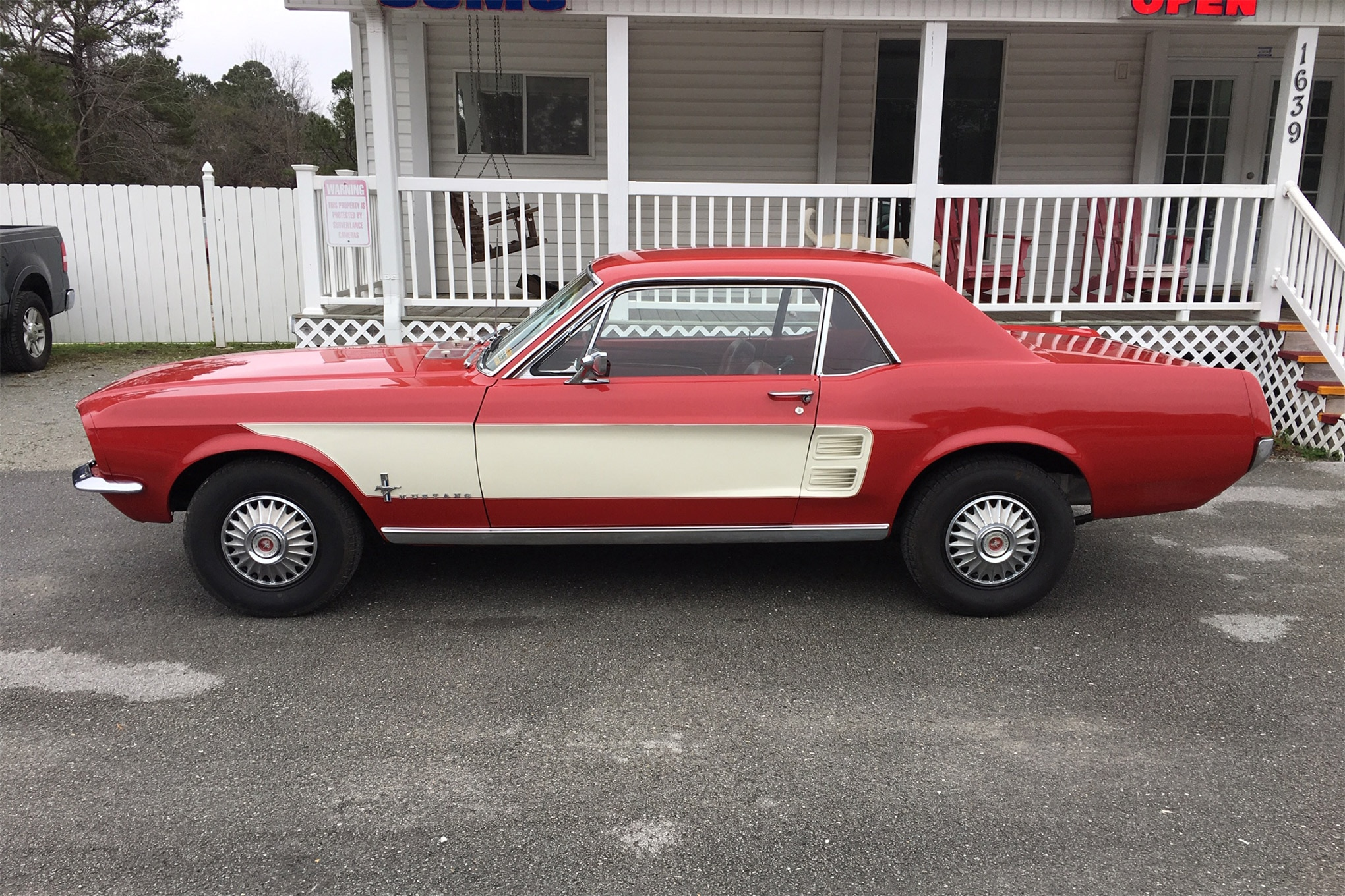 001 2 RareFinds 1967 Mustang Stripes