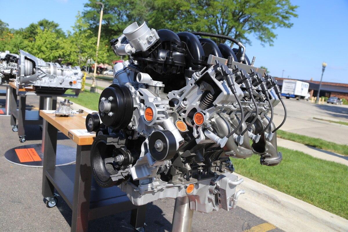 002 Ford Godzilla 73 Liter